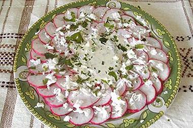 салат со сметаной и редиской