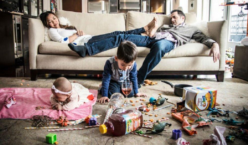 Семейная жизнь – это огромная ответственность с боку мужчины и женщины. Существует слишком много проблем, которые мешают семейным отношениям, и которые могут толкнуть одного из партнёров на измену. Иметь на стороне другую женщину довольно нормальное явление в нашем обществе. Осуждается только женская измена, но женщины изменяют намного реже, чем мужчины.