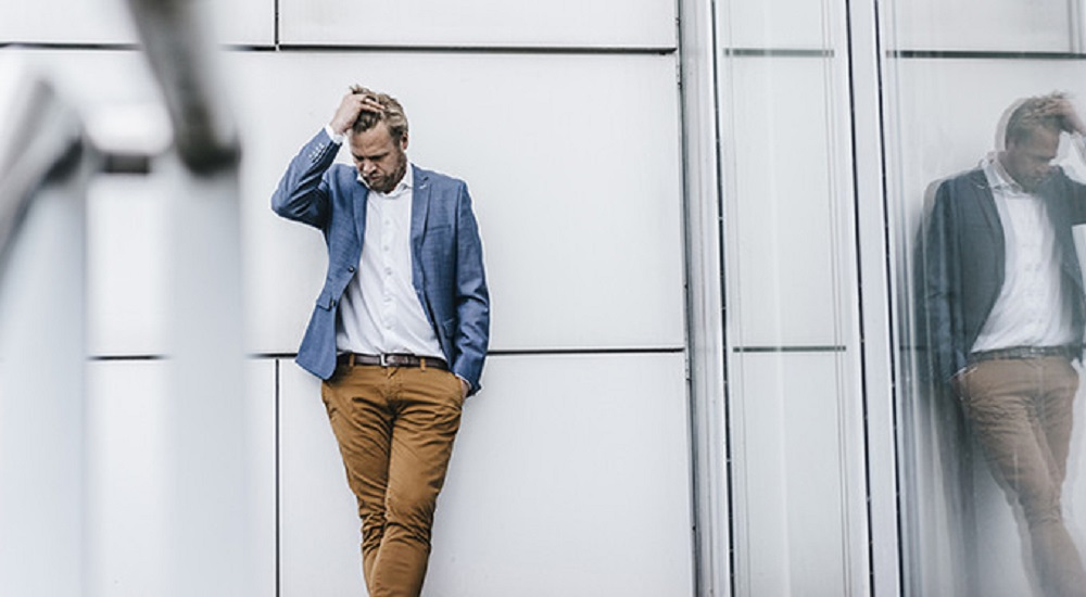 В районе 35 лет мужчины начинают задумываться над философским вопросом – в чём смысл их жизни? Но подобные размышления онаболевшем редко останавливают принявших какое-либо решение мужчин.
