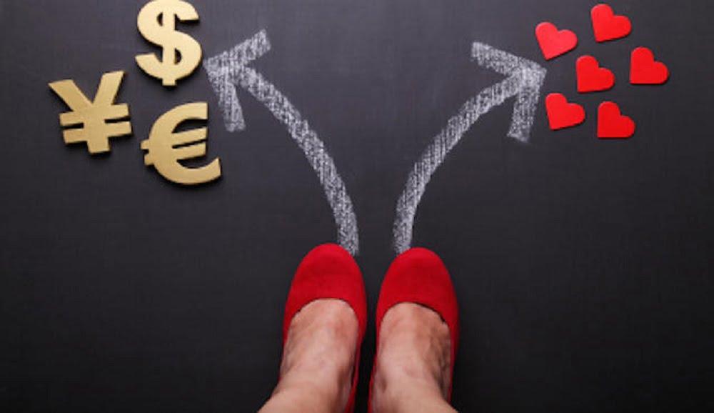 Вступая в семейные отношения и мужчине и женщине необходимо обговорить многие нюансы, без которых семейная жизнь долго не продержится. Материально-денежная часть семейной жизни – это именно та часть, которая создаёт прочный фундамент.