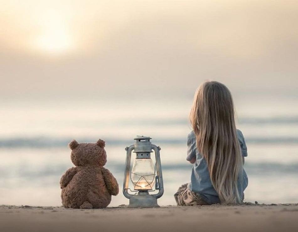 Существует мнение, что в жизни мы подбираем себе партнёров не просто похожих на наших родителей, а и наиболее усовершенствованных. Если человек чем-либо напоминает одного из родителей, возникает ощущение, что мы знаем как с ним взаимодействовать.
