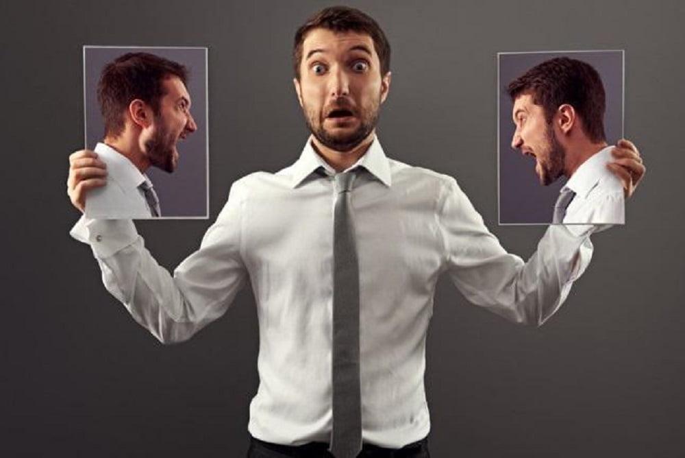 Самокритика - это неотъемлемая часть внутреннего мира развитой личности. Она присутствует в каждом человеке и ни чем не связана с самоедством или деструктивным чувством вины. Зачастую она является объективным взглядом на себя со стороны. Умеренная и конструктивная критика приносит много пользы помогая решать разные проблемы с максимальной эффективностью.