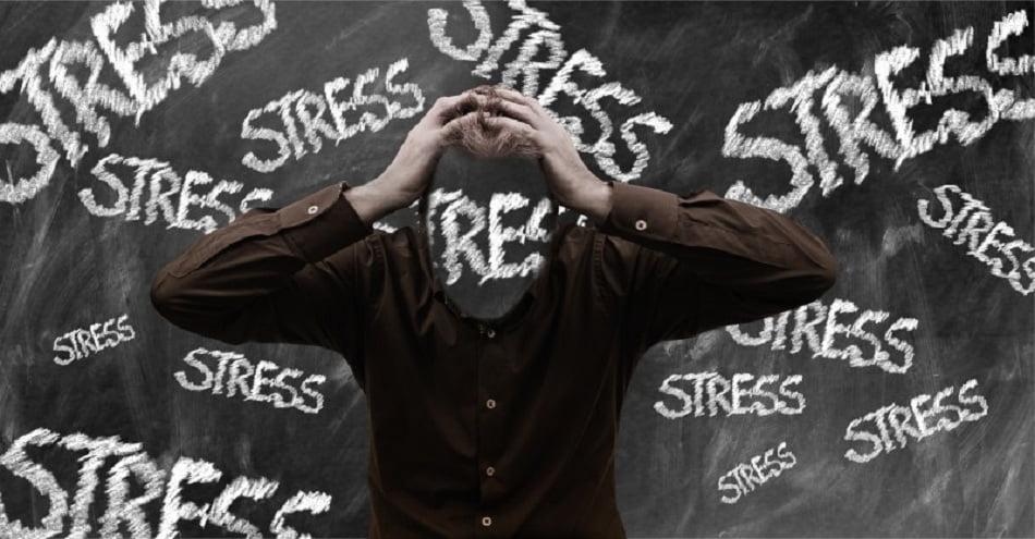 Все мы знаем, что для самореализации в определенных профессиях необходимо иметь хорошую стрессоустойчивость, которая проявляется в психологической гибкости, пофигизме и эмоциональной непробиваемости.
